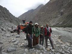 The return journey (Ameer Hamza) Tags: cold classic water river back jeep waters danial bye groupshot byebye adeel ppa choatic september2011 ameerhamzaadhia trekkerz thetrekends haibatali faheemawan
