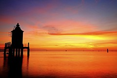 L'Alba al Solito Faro di Lignano - Dawn over Lighthouse (Strlicfurln) Tags: sea lighthouse faro dawn flickr mare alba albaluminis explore lignano flickrexplore