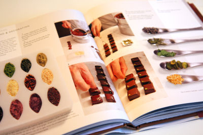 Couture Chocolate book inside view3401 R