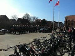 IMG_0342 (Helle Jacobsen, Venstre) Tags: marie campus reception sdu prinsesse indvielse slagelse byrd garderhusar