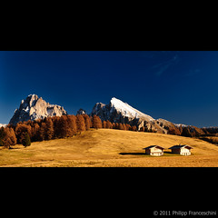 Seiser Alm (Spidi1981) Tags: autumn mountain landscape nikon long sonnenuntergang sundown south herbst landwirtschaft alm seis sella tyrol sass sdtirol d800 d4 plattkofel langkofel seiser kastelruth lrchen