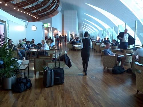 dubai airport lounge