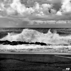 Winter Sea (Osvaldo_Zoom) Tags: winter sea clouds nikon waves maredinverno d80