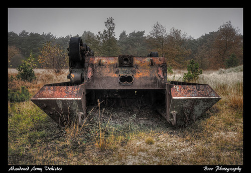 Urbex Abandoned Army Vehicles