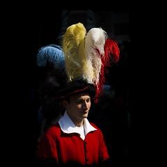 cappello fr fr (g_u) Tags: people florence gente persone firenze gu cappello ugo rievocazionestorica figurante piazzadelduomo piume capodannofiorentino