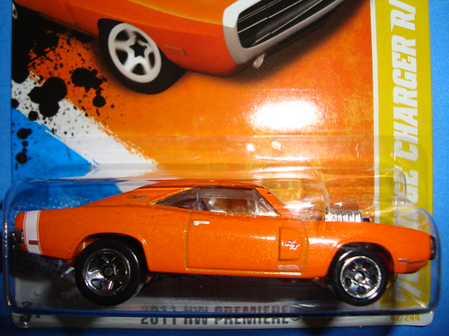 Dodge Charger Rt 1970 Hotwheels 2011 042 V0037 07a1 A Photo On
