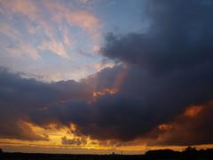 sunset (Hans-Jrgen Bckmann) Tags: sunset sun sonnenuntergang wolken sonne 2011 instantfav