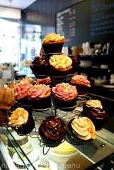 Bea's of Bloomsbury - Cupcakes on a tier