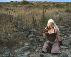 Daenerys: Mother of Dragons (Roxanna Meta) Tags: costume cosplay dany daenerys khaleesi gameofthrones songoficeandfire targaryen daenerystargaryen