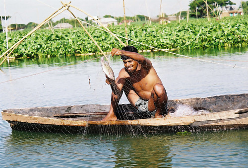 Small-scale fisheries, Bangaldesh. Photo by CBFM-Fem Com Bangladesh, 2006