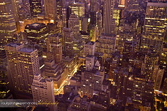 big city nights #2 (raulgonzalezphoto) Tags: nyc usa ny newyork building night landscape unitedstates manhattan paisaje nocturna rockefeller topoftherock estadosunidos nuevayork