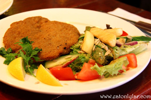Porkschnitzel with fresh lemon, Kop Van Jut