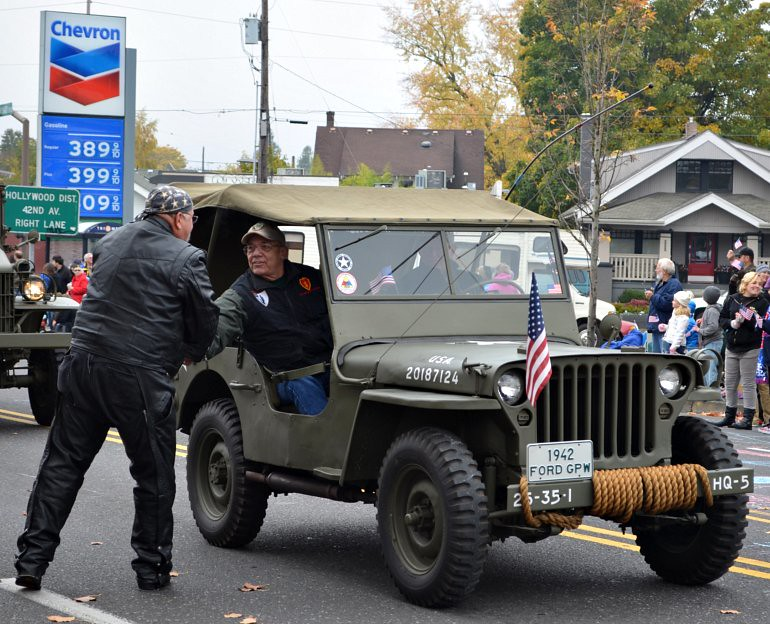 DSC_0018p_veterans_day_parade_jeep