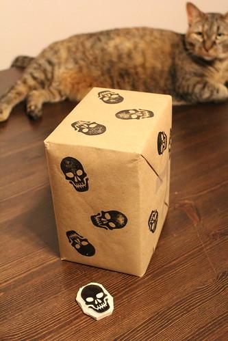 skulls gift wrap