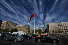 Bienvenidos a Santiago de Chile! (Yohsuke_NIKON_Japan) Tags: chile city travel santiago sky urban detail southamerica clouds nikon cityscape flag capital sigma bluesky moneda entel 10mm capitalcity  chileanflag  colorefex    monedapalace  d3100
