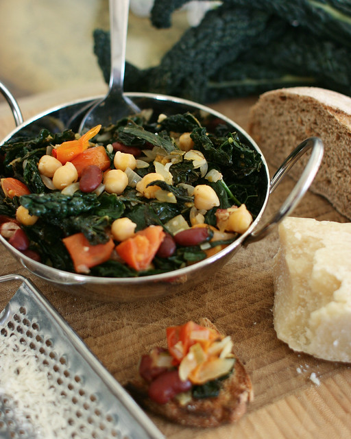 Fagioli all Uccelletto with cavolo nero