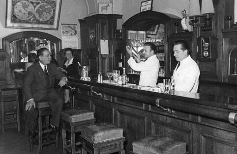 Bar Le Forum - París - Imágenes de los comienzos