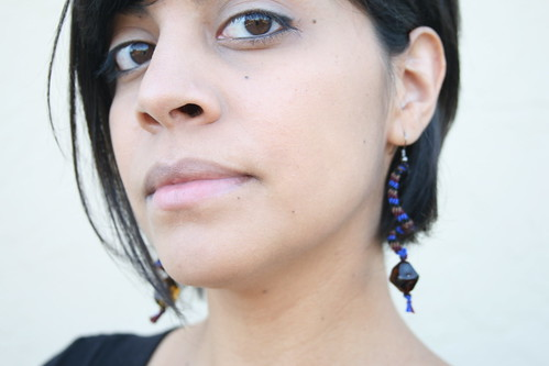 Dia Earrings Wearing 036
