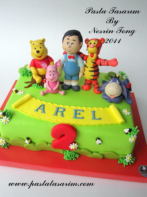 arel 2nd birthday cake - winnie the pooh cake