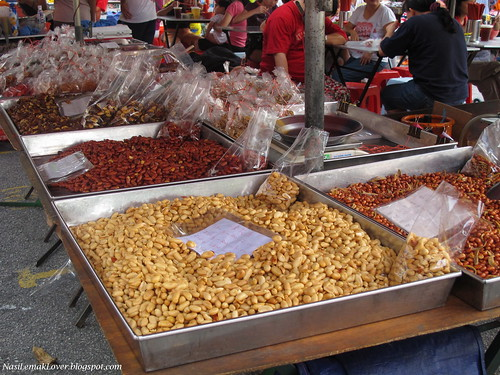 Setia Alam Pasar Malam, the longest pasar malam in Malaysia
