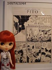 Aisha admirando os quadrinhos de Spirit!!