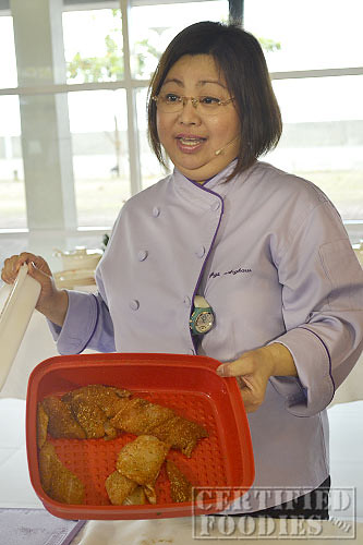 Chef Gigi Angkaw used Tupperware Season Serve to marinade the dory
