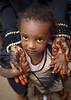 Lamu little girl - Kenya (Eric Lafforgue) Tags: africa girl island kid kenya mother culture unescoworldheritagesite afrika tradition henna lamu swahili afrique eastafrica quénia lafforgue ケニア quênia كينيا 케냐 кения keňa 123739 肯尼亚 κένυα tradingroute кенијa
