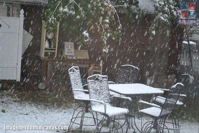 El noreste de EE UU bajo tormenta de nieve fuera de temporada 6292013147_1ab43fa04f_z