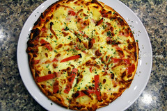 Hawaiian Pizza (Anthony Leow) Tags: food breakfast dinner lunch restaurant singapore eating trails supper hawker photograpy sinfully