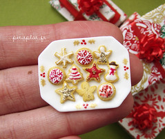 Miniature Christmas 2011 - Christmas Cookies (PetitPlat - Stephanie Kilgast) Tags: christmas xmas red cake weihnachten rainbow colorful handmade noel polymerclay fimo biscuit minifood gingerbreadhouse dollhouse christmascookies miniaturefood fauxfood oneinchscale 112scale patepolymere petitplat stephaniekilgast