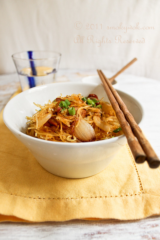 Singapore Stir-fried Rice Noodles 星洲炒米