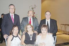 0841.-De-pie.-Marco-Antonio-Bracho,-Miguel-Inzunza-y-Jesús-García-Quintanilla.-Sentadas.-Rocio-de-Bracho,-Doris-de-Inzunza-y-Gabriela-Martínez.
