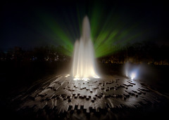 lustgarten fountain (North Face) Tags: city blur berlin water fountain festival night canon germany deutschland eos lights long exposure springbrunnen sigma 7d 1020mm mitte museumsinsel lustgarten fol