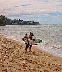 Comparing Notes (jcc55883) Tags: ocean sky clouds hawaii nikon oahu pacificocean surfers blackpoint d40 kaalawaibeach nikond40 diamondheadroad