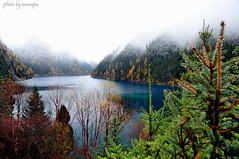 Mystic Lake (nawapa) Tags: china travel autumn mountain lake colour reflection water landscape long view historic explore valley sichuan jiuzhaigou 2011 nanping nawapa