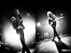 The Kills (Mathieu EZAN) Tags: show portrait blackandwhite bw rock canon lights hotel concert tour noiretblanc guitar live duo garage gig band wideangle pop nb singer groupe nantes vv thekills bloodpressure 2011 grandangle alisonmosshart jamiehince canon5dmarkii lacarrire mathieuezan