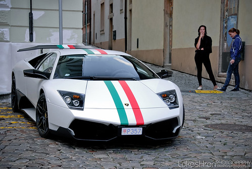 Lamborghini Murci lago LP
