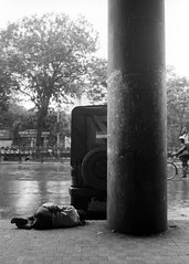 Mumbai, September 1999 (Riverman___) Tags: travel blackandwhite india blancoynegro film 50mm md minolta 28mm 400 bombay hp5 mumbai ilford fp4 125 x700 f17 rokkor