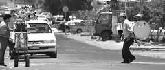 Contacto Visual (flickcide) Tags: bw calles iquique tradicion chinchinero