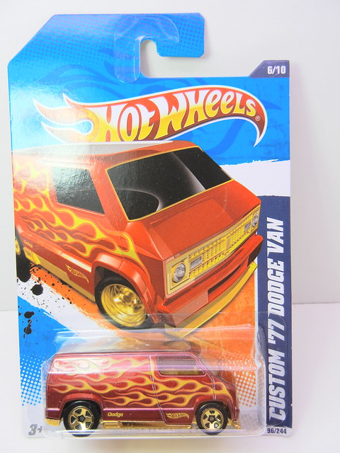 hot wheels custom '77 dodge van red (1)