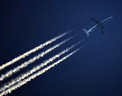 Lufthansa Boeing 747 Contrailshot (ShotsOfMarion) Tags: plane airplane flying google high nikon contrail aircraft sigma apo flughafen airlines aeropuerto lufthansa spotting airliner duitsland almere vliegtuig d60 vliegtuigen hoogte almerebuiten 150500mm shotsofmarion flygzeug aerodromé