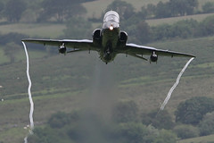 """Pulling UP..!!"" (PhoenixFlyer2008) Tags: wales speed canon hawk valley bae vapour raf lowlevel machloop lfa7 neilbates"