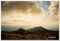 SDIM0093 ( or Jeff) Tags: sunset mountain nature water colors night clouds coast landscapes twilight place shot taiwan sigma explore  taipei   1020mm  discovery   scenes   afterglow foveon landscap  x3     glimmering 18200mm    datun  sd15