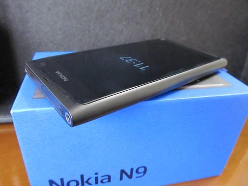 NOKIA N9 04