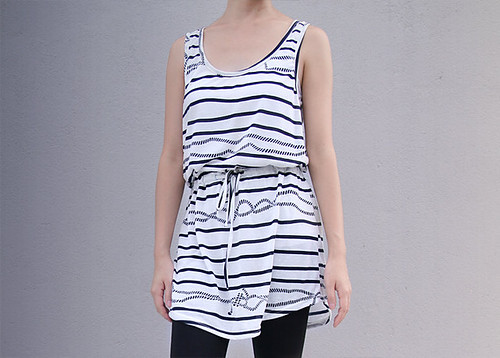 35_White Sleeveless Top Striped