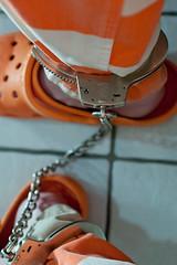 Calhoun_6417 (skinmate) Tags: prison jail shackles prisoner inmate restraints legirons fusseisen