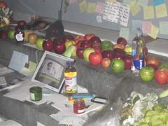 apple juice (xneverwherex) Tags: apple macintosh store stevejobs tribute 59thstreet