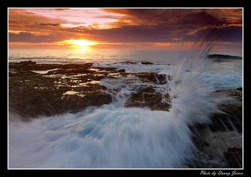 sunrise - the cowry hole - 30-10-2011_0110-Splashed