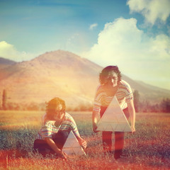 Twins I (Kamila Pinto Keith) Tags: girls art nature twins campo mujeres hermanas triangulo dualidad coldscene kamilapintokeith shootme10times