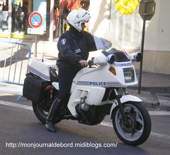 Motard police (tripuniforme) Tags: france 1025fav europe boots police cop moto bmw k75 bottes botas motard policeofficer stiefel stivali motorcop greatphotos leatherboots bmwk75 copboots policeboots bottesdecuir motardpolice motobmw bikermen motopolice bottesdepolice